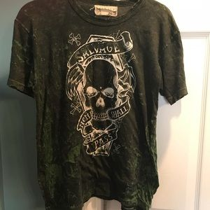 Men's Salvage T-Shirt. Size Large